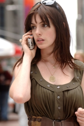 anne_hathaway_devil_wears_prada_chanel